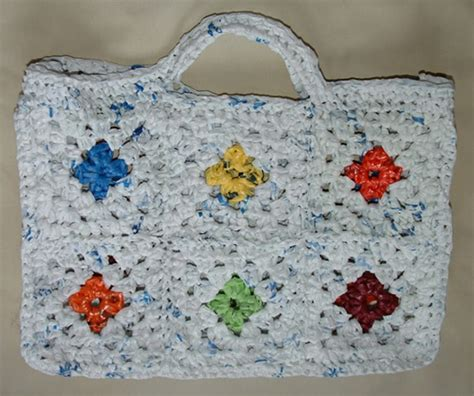 recycled tote bag pattern colorful recycled granny motif bag free pattern links