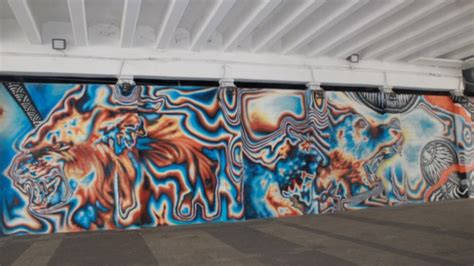 keunikan terowongan seni  tengah kota jakarta