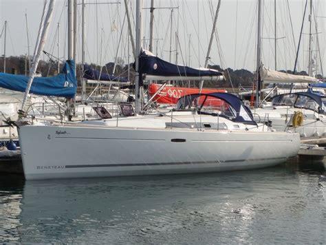 yacht boat hire uk universal yachting ltd yacht charter company in hamble