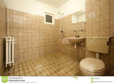 altes badezimmer altes badezimmer lizenzfreies stockbild bild 18600096