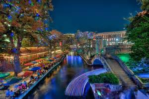 riverwalk san antonio texas christmas lights light up