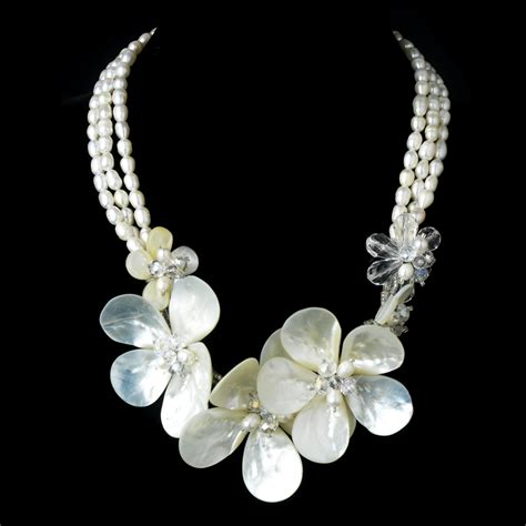 magnificient freshwater pearl swarovski sea side