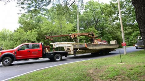 duck boat kansas city salvage crews to recover duck boat from table rock lake
