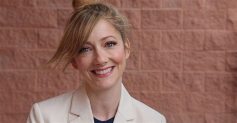 judy greer on er judy greer makes directorial debut with dramedy a