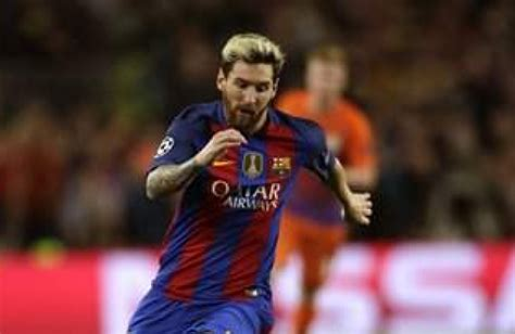 messi biography in malayalam lionel messi happy at barcelona says argentina coach the