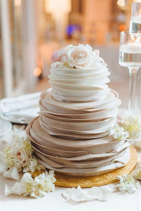 wedding cake layers 36 neutral fall wedding ideas weddingomania