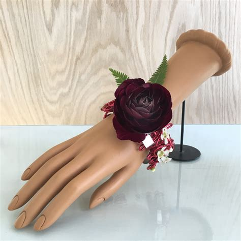 are corsages in style flower jewelry prom corsage boutonniere styles for 2017