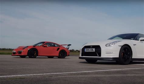 Nissan Gtr Vs Porsche by Who S Faster Nissan Gt R Vs Porsche 911 Gt3 Rs In Drag Race