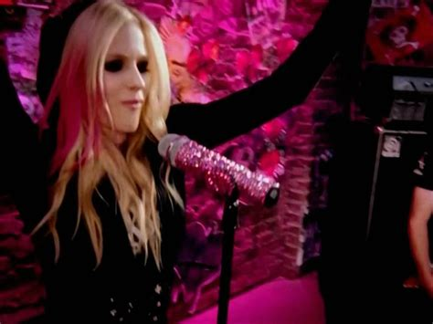 Damn Avril Lavigne Pictures From Arena by Avril Lavigne The Best Damn Thing Mv Screencaps Hq