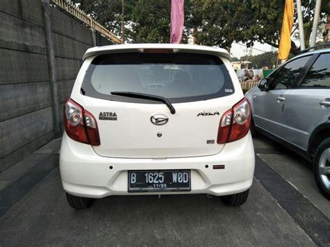 Mobil Ayla Putih by Daihatsu Ayla X At 1 0 Th 2015 Putih Metalik Mobilbekas