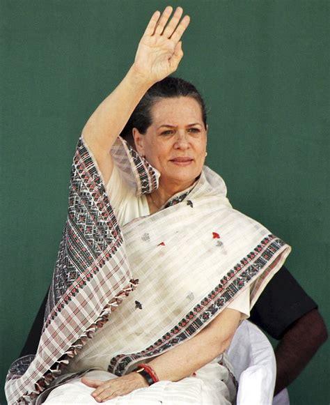 elizabeth biography in hindi like queen elizabeth sonia gandhi should continue