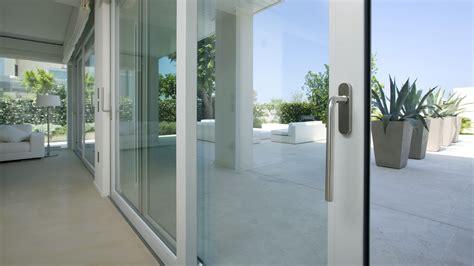 porte scorrevoli in alluminio per esterno mosaico bagno grigio