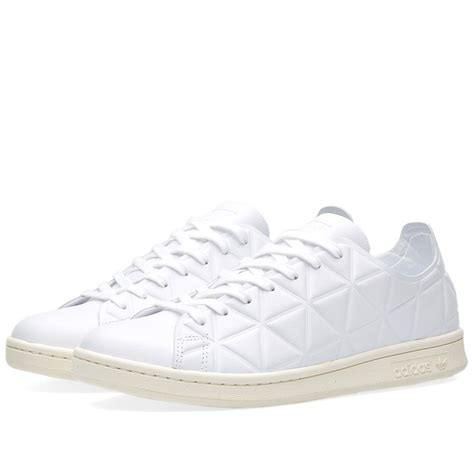 Polobaju Berkerah Logo Adidas Classic adidas update a court classic with a textured triangle pattern the iconic stan smith