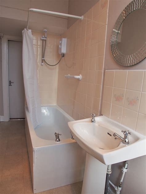 bathroom specialists glasgow 3 bolton drive south side central letting services