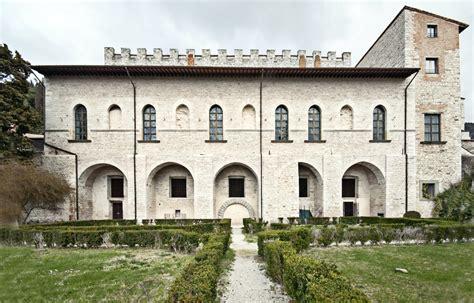 ingresso palazzo ducale palazzo ducale di gubbio polo museale dell umbria