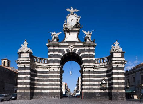 porta garibaldi catania monumento a catania porta garibaldi typical sicily