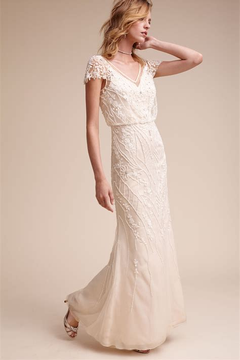 top 4 tips for finding affordable vintage wedding dresses