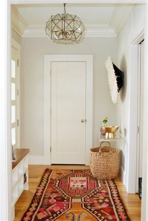 lustre couloir savourer la beaut 233 de tapis berb 232 re en 44 photos
