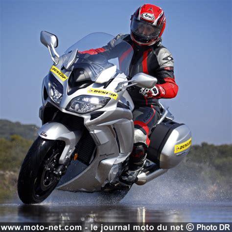 Motorrad Test Center Pirelli Angel Gt by Pneus Essai Pneu Moto Dunlop Sportmax Roadsmart 3