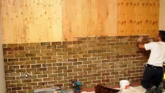 construire un mur avec des briques d 233 coratives