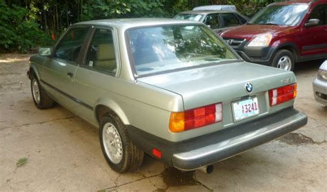 1984 1992 bmw 3 5 series 318 325 525 528 haynes car vintage pure 3 series 1984 bmw 318i sedan coupe 5spd manual 63k lady owned for sale bmw 3