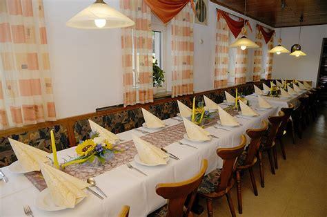 waldhütte zum übernachten gastst 228 tte zum m 246 nchshof fam keim herbergen wolframs