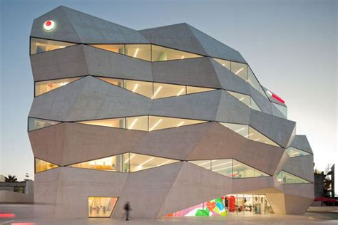 cool building designs vodaphone headquarters in porto portugal thecoolist