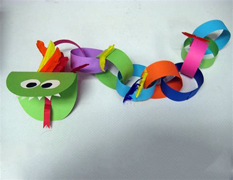 Paper Chain Crafts - classroom crafts to celebrate the new year