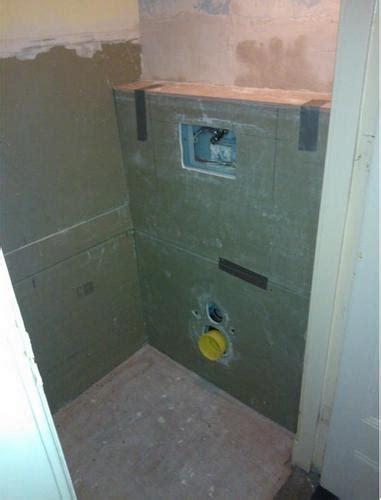 achterwand toilet betegelen toilet betegelen en aansluiten toilet en wasbakje