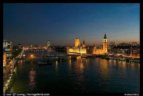 thames river in london england picture photo river thames and westmister palace at night