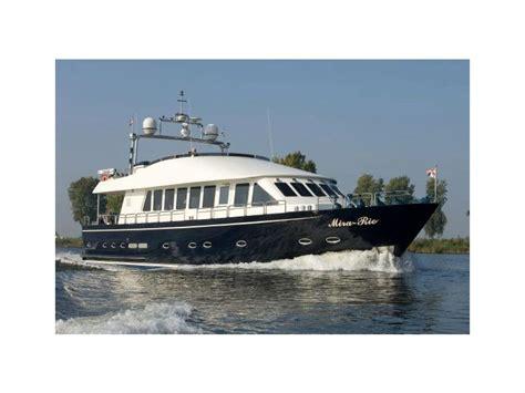 motor boat range tilborg jachtbouw bv long range motoryacht in noord