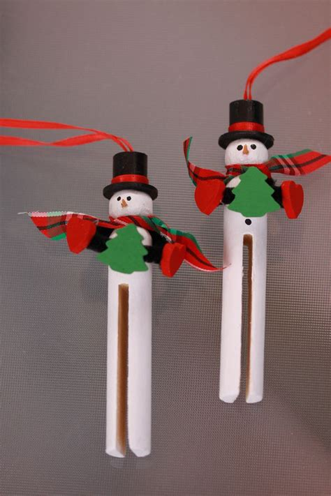 wooden clothespin snowman ornament handpainted