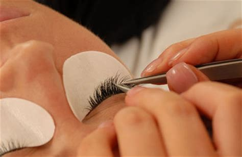How To Apply Eye Lash Extensions by May 2012 False Eyelashes
