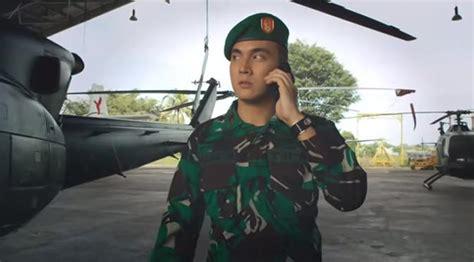 film terbaru fedi nuril jadi tentara rendy kjaernett nyaris gila jadi tentara di film doea