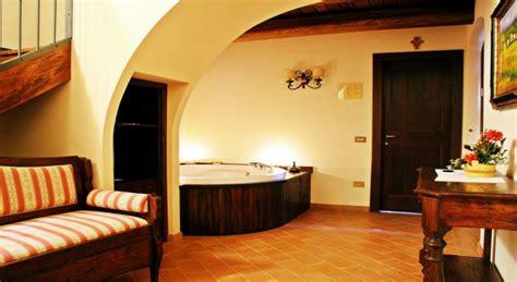 hotel con vasca idromassaggio doppia perugia residenza agrituristica sole relais 4 stelle