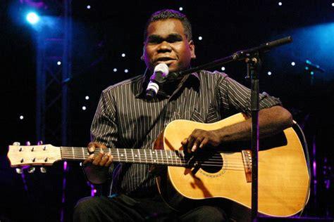Blind G indigenous singer geoffrey gurrumul yunupingu abc news australian broadcasting corporation