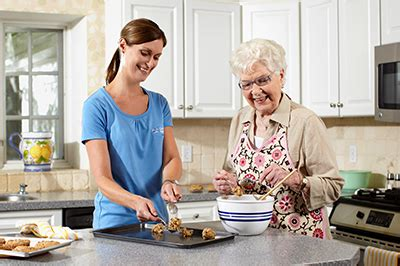 comfort keepers members kitchen safety tips for seniors