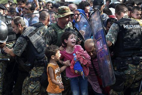imagenes impactantes refugiados desde la ribera 187 archivo 187 europa mira hacia otro lado
