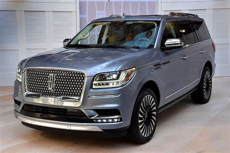 Exterior Doors by Lincoln S 2018 Navigator Lighter Faster And More Spacious