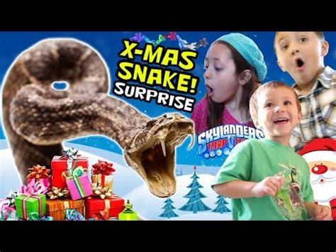 Kaos Anak Shirt Kid Tree Santa Kid guinness world records largest skylanders collection