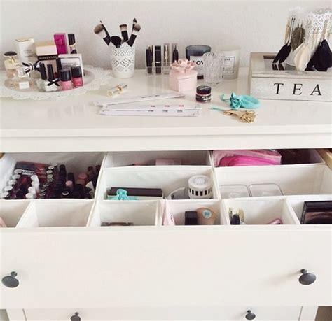 white modern desk tumblr