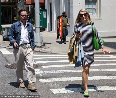 Michelles Arrives At Nyc Apt This Morning by Andy Spade And His Step Out In The Evening After