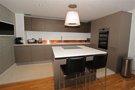 Modern Kitchen Island With Seating Island Kitchen With Seating Area Modern Kitchen By Lwk Kitchens