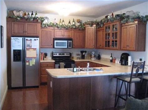 Kitchen Cabinet Top Decor by 1000 Images About Above Cabinet Decorating Ideas On