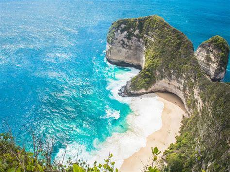 kliffen van nusa penida riksja indonesie