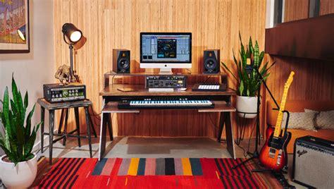 outputs platform    home studio desk musicians