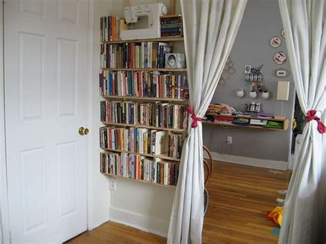 Bookshelves For Small Bedrooms by Bookshelf Ideas For Small Spaces Home Constructions