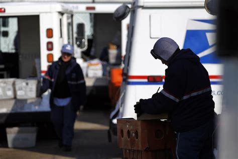 Roberto Clemente Post Office by Postal Service To Deliver Packages On 2 Sundays Before