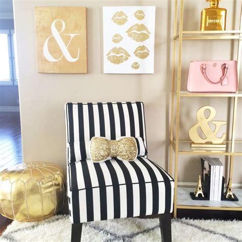 bedroom pouffe 1000 ideas about gold pouf on pinterest moroccan pouf