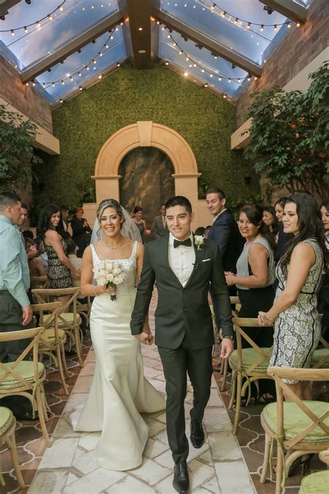 Just Married in Las Vegas! Garden Wedding Venue   Indoor